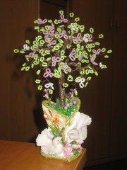 Подарочный сувенир - деревце из бисера,  20см.