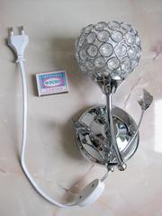 Настенный светильник (бра) с выключателем,  в виде цветка.